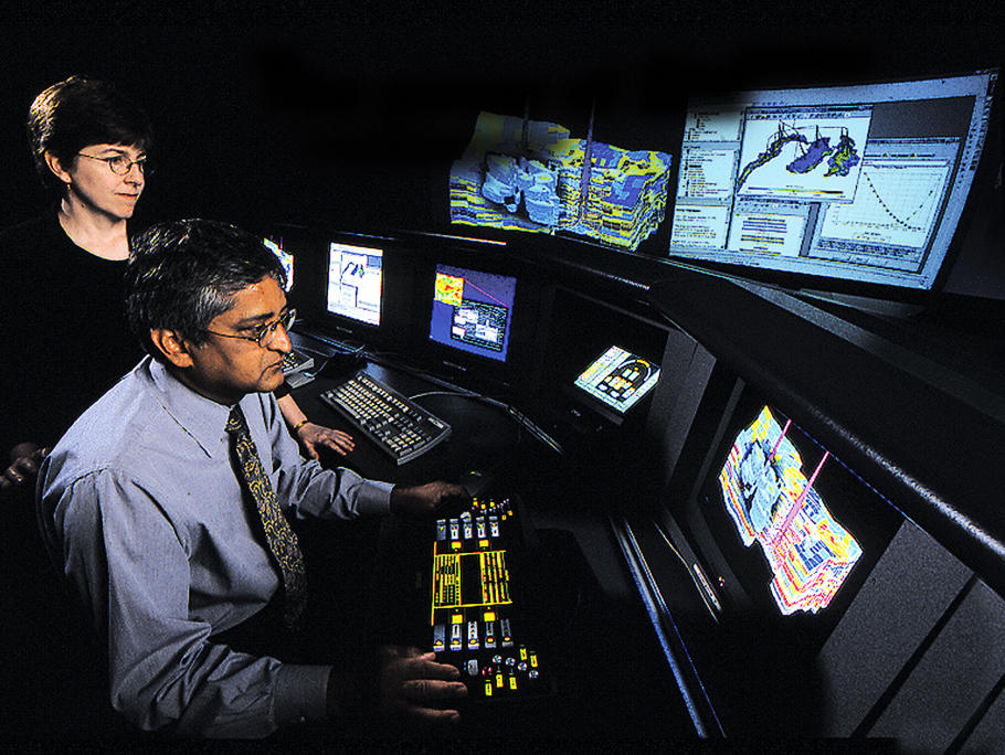 1986 ExxonMobil scientists working on 3D microtomography