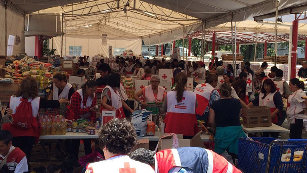 ExxonMobil Mexico works with the Red Cross to assist earthquake victims